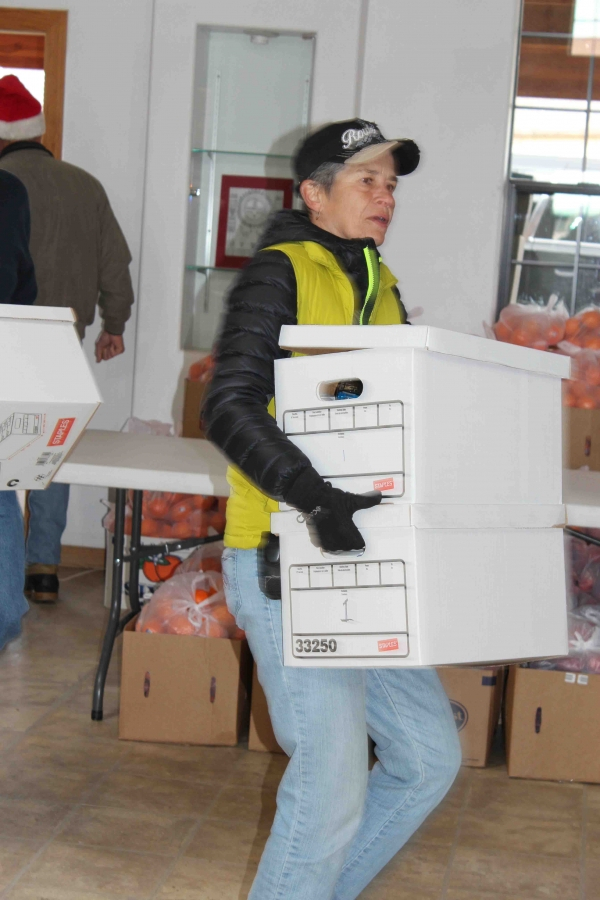 Tewa Holiday Project Delivery 2015 033